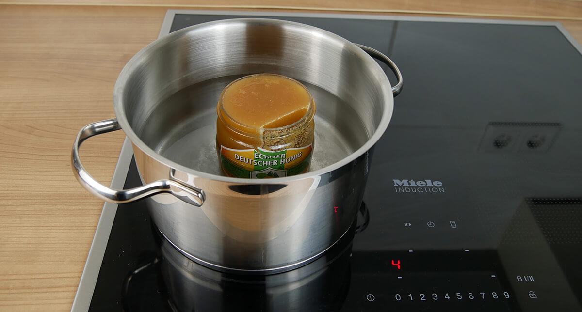 Kristallisierten Honig flüssig machen